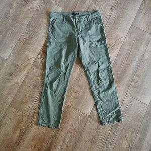 Sanctuary Capri length pants olive green size 27